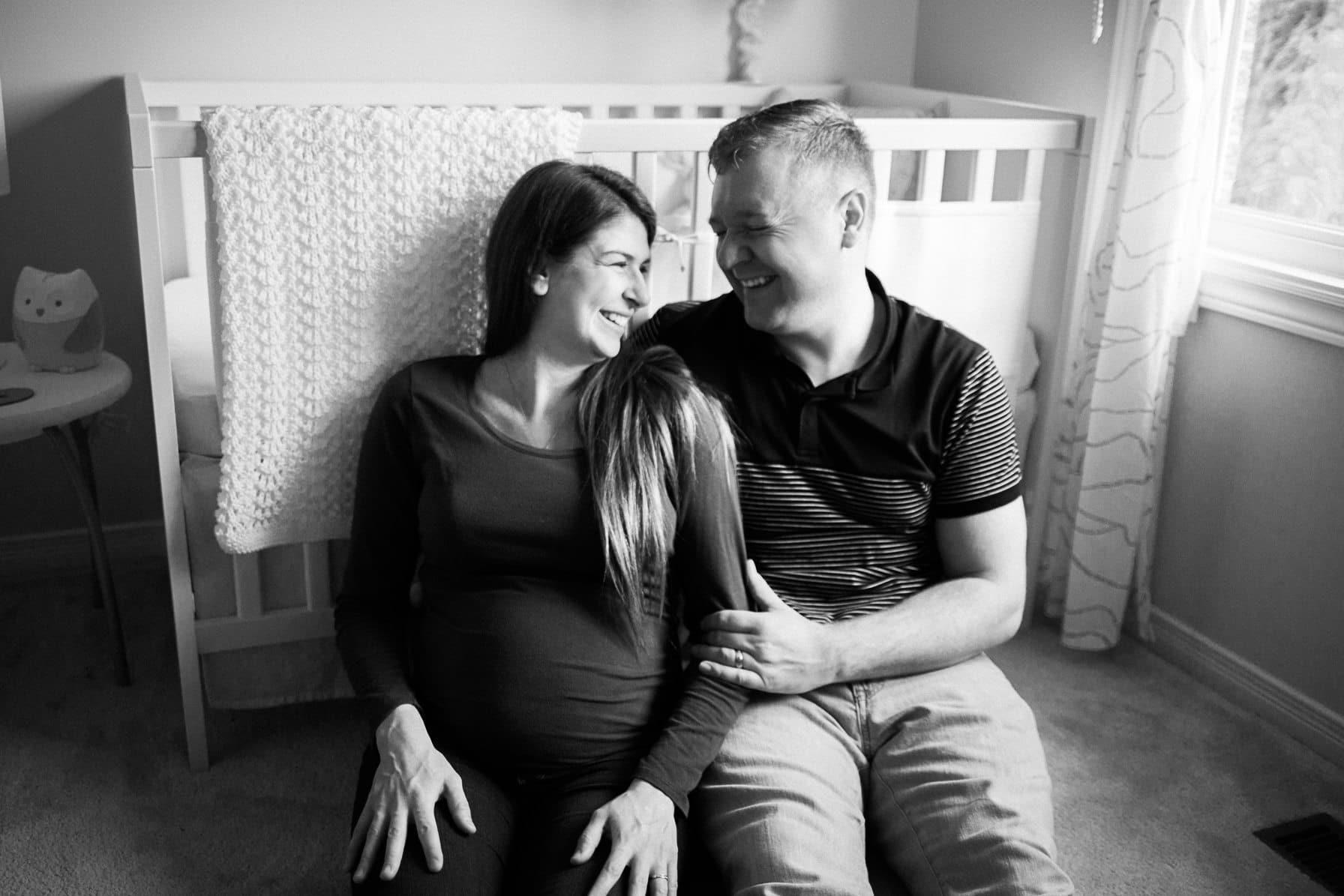 at home maternity ottawa - lifestyle maternity photography