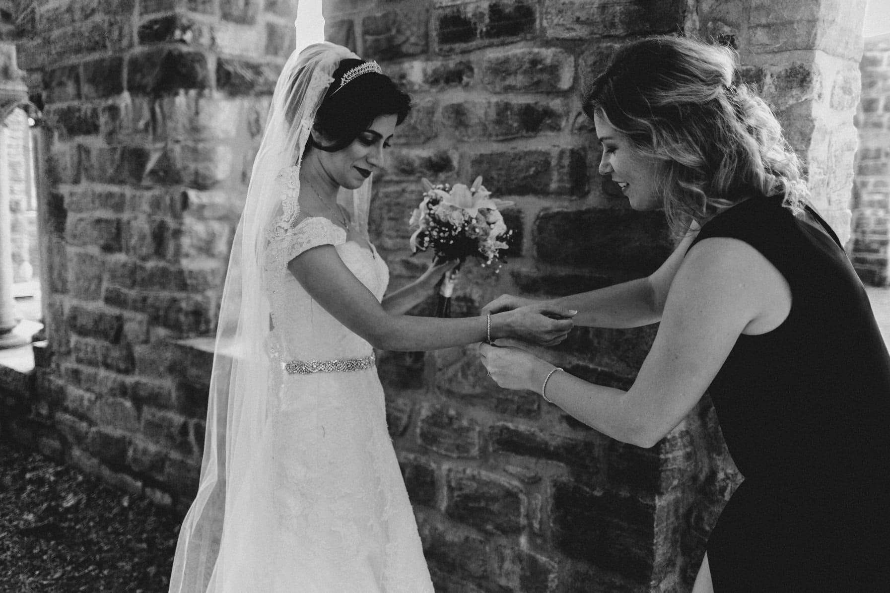 Last minute details - Intimate Wedding Mackenzie King Estate