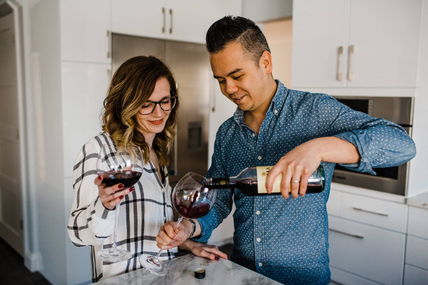 Couple pour wine - Cozy At-Home Photos Lifestyle